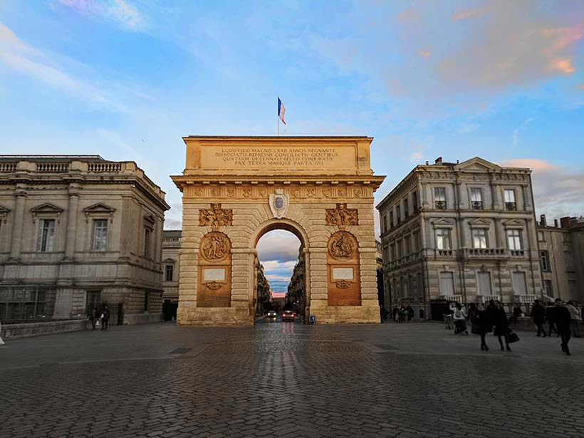 the arc du triomphe of montpellier